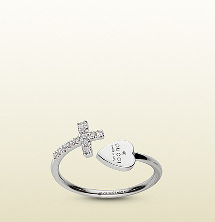 Ring With Cross And Gucci Trademark Engraved Heart.