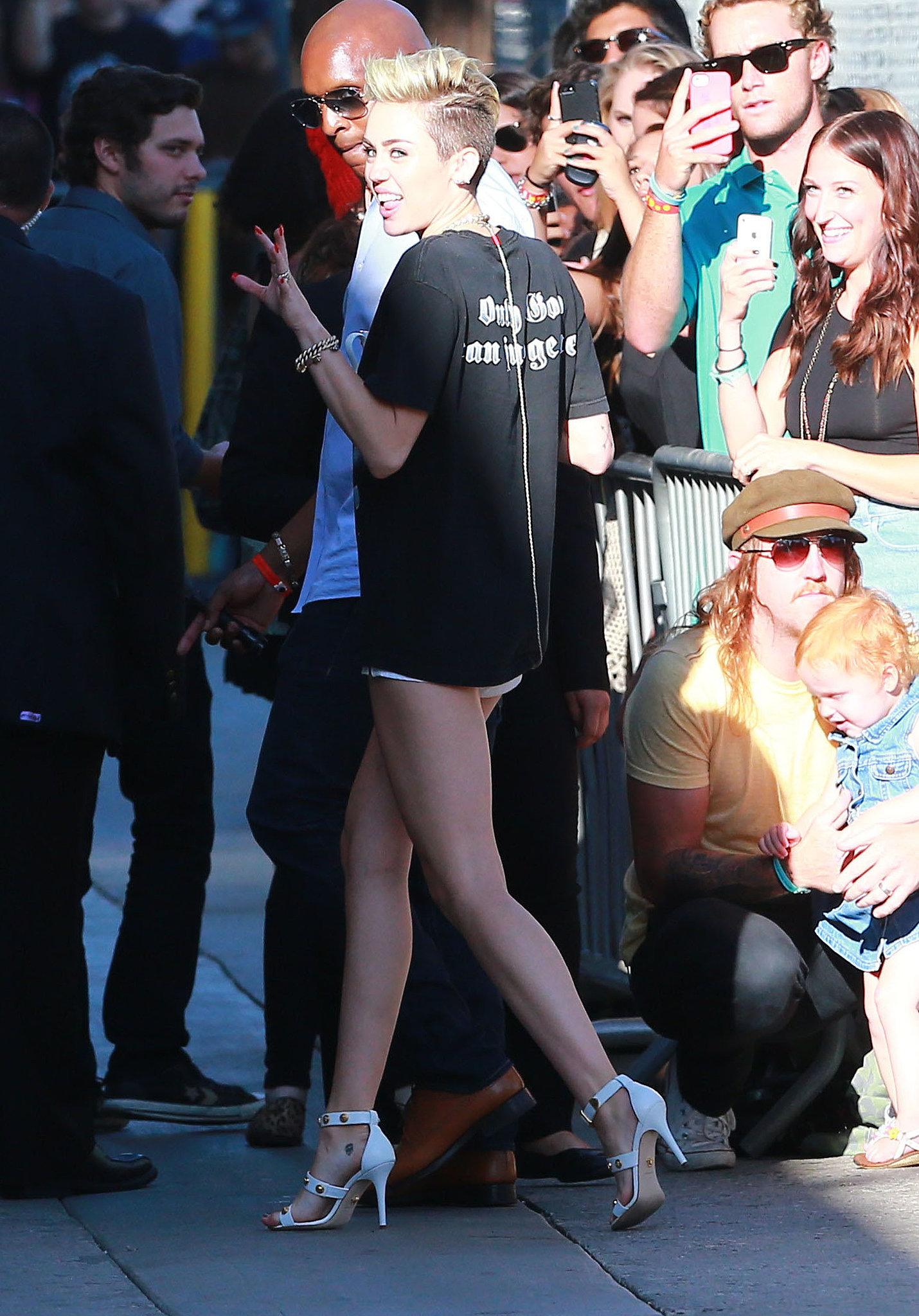 No Pants, No Problem For Miley Cyrus