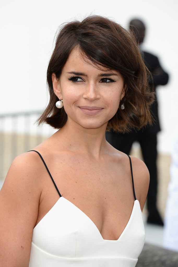 Miroslava Duma proved that she knows what works for her by pairing relaxed waves with bold brows at Dior.