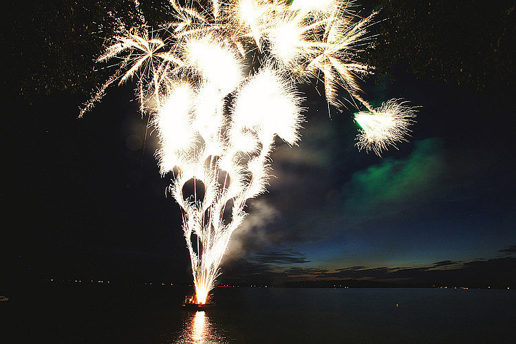 This stunning fireworks show was the icing on the cake at a wedding on Lake Minnetonka in Minnesota. Photo by Geneoh Photography via Wedding Chicks