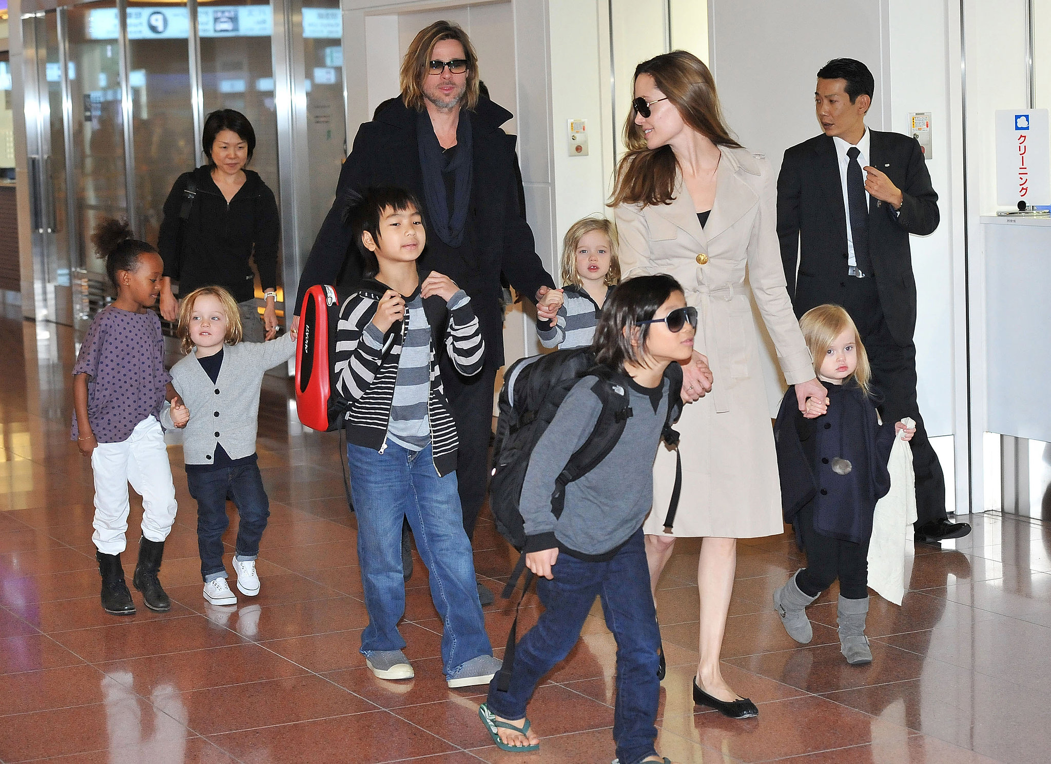 Knox Jolie-Pitt and Vivienne Jolie-Pitt arrived in Japan with the rest of the family in November 2011.