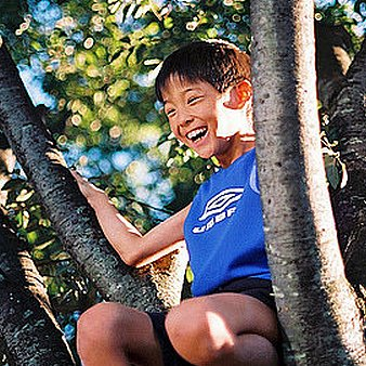 How to Get Kids to Play Outdoors