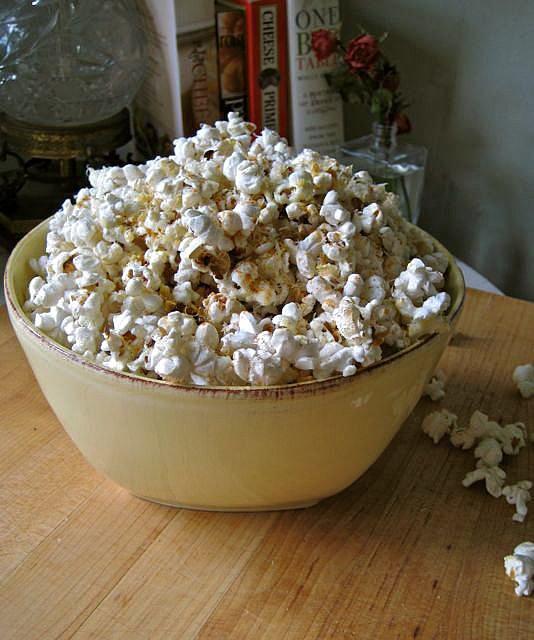 Cheesy Spicy Popcorn