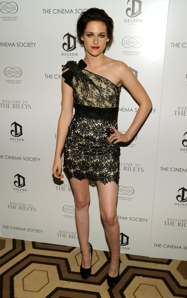 While attending the 2010 NYC screening of Welcome to the Rileys, Stewart channeled her inner glamour girl, working a lacy one-shoulder Valentino mini with classic black heels.