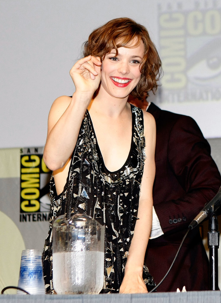 Rachel McAdams gave a smile and wave while promoting Sherlock Holmes in 2009.