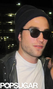 Robert-Pattinson-arrived-Toronto-airport-start-shooting-new