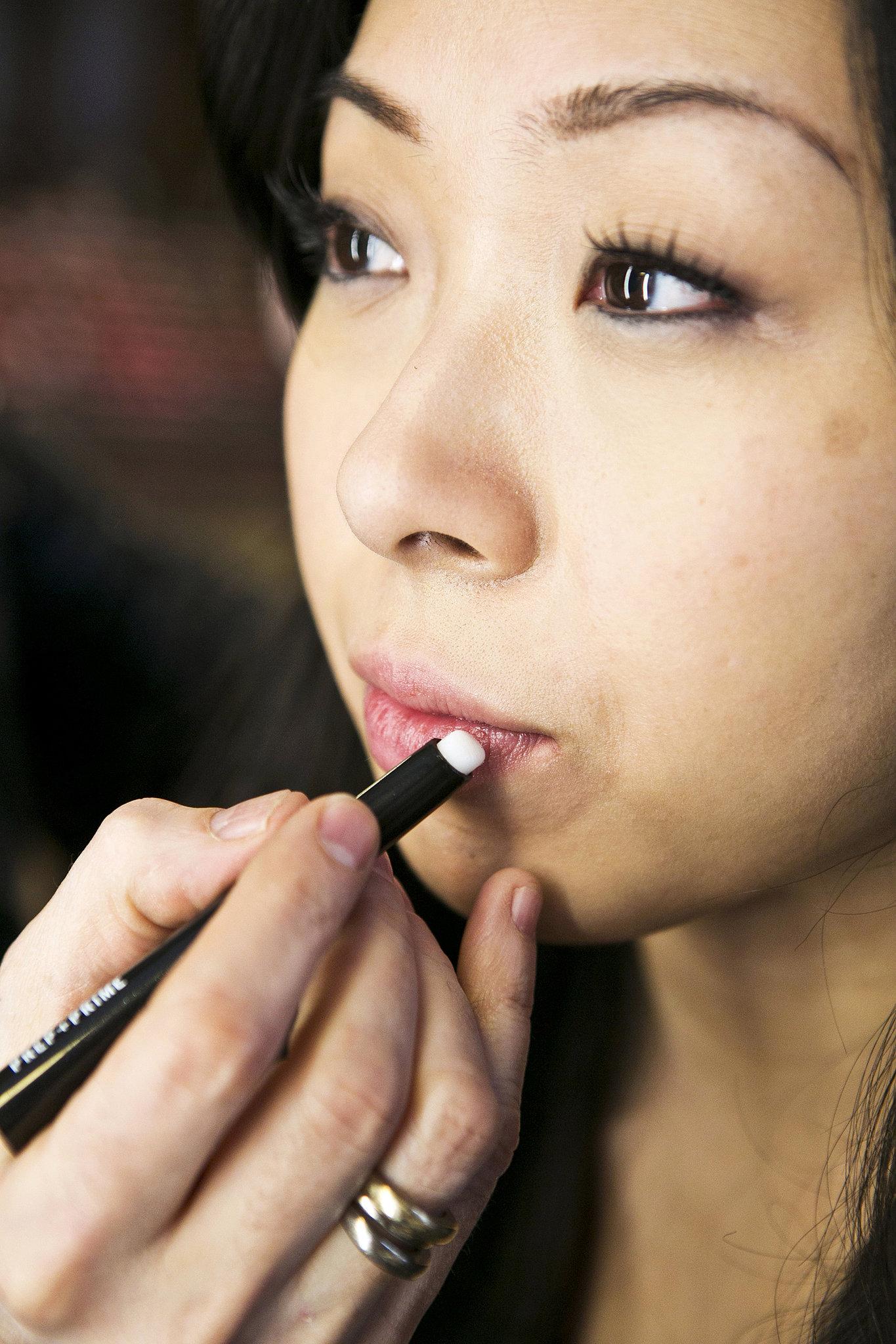 Apply a Lip Primer