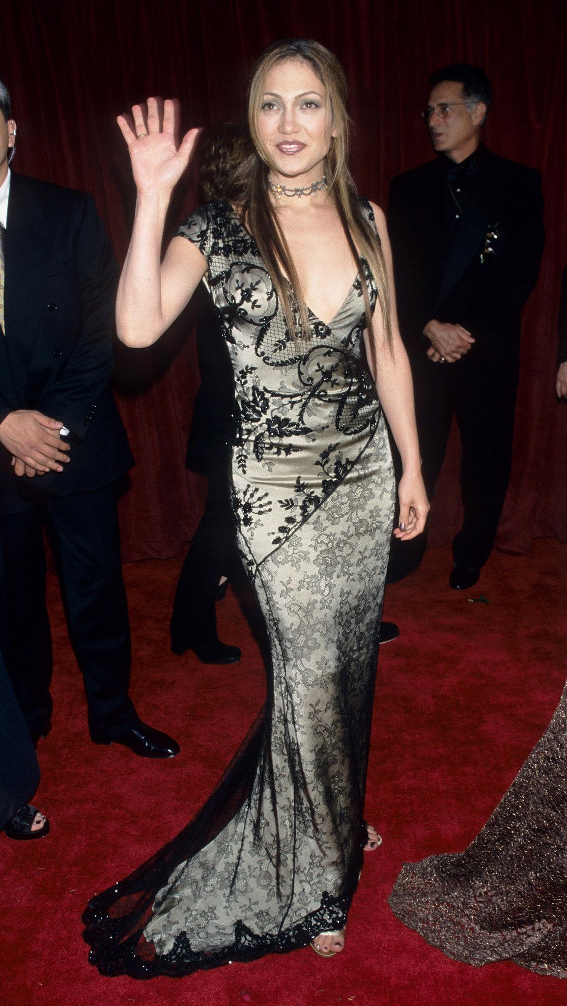 Going vamp on the Oscars red carpet in '98.