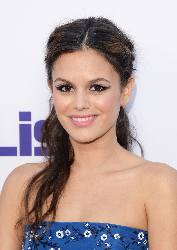 Rachel Bilson's stunning hair and makeup at The To Do List premiere is on our must-copy list. Her makeup featured an exaggerated cat eye with pink lips, while her hair was braided on either side and pulled back into a tousled half-up 'do.