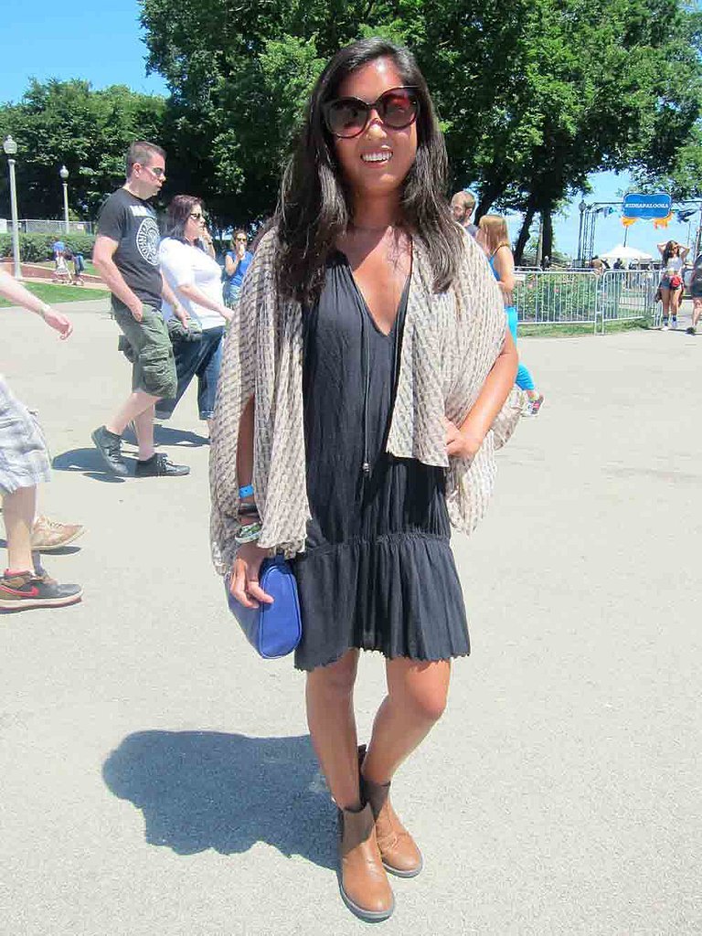 Chicago weather can leave you hot one minute and chilled the next. Stacey clearly came prepared for all conditions with an Akira kimono layered over her Free People dress. Her House of Harlow sunglasses and H&M bag didn't