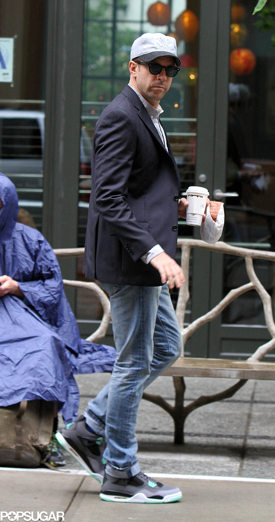 Jason Sudeikis headed into the Crosby Street Hotel in NYC.