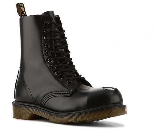 Dr. Martens Maine Boot
