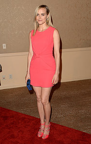 Taylor-Schilling-chose-bright-sexy-dress-event