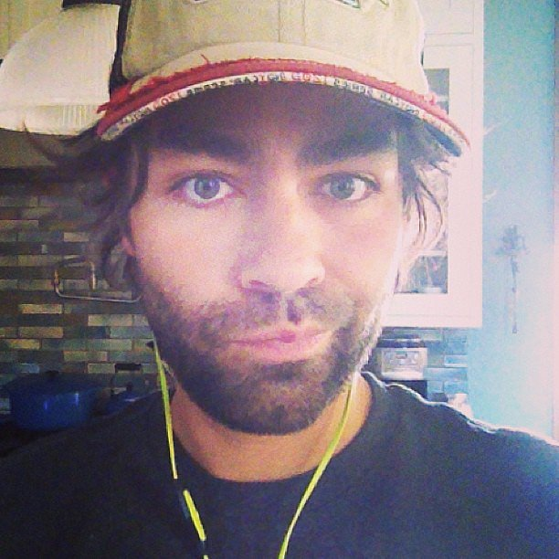 Adrian Grenier snapped a selfie before heading to the gym. Source: Instagram user adriangrenier
