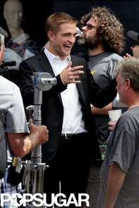 celebrityRobert-Pattinson-Filming-Maps-Stars-LA