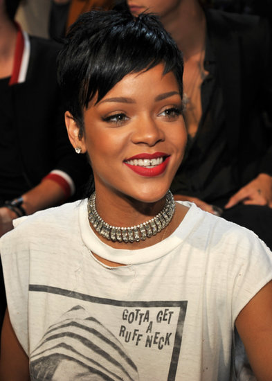 Rihanna-paired-her-tiny-grills-red-lipstick-mullet