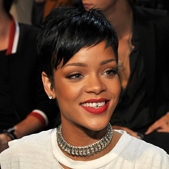 Rihanna Hair and Makeup at VMAs 2013