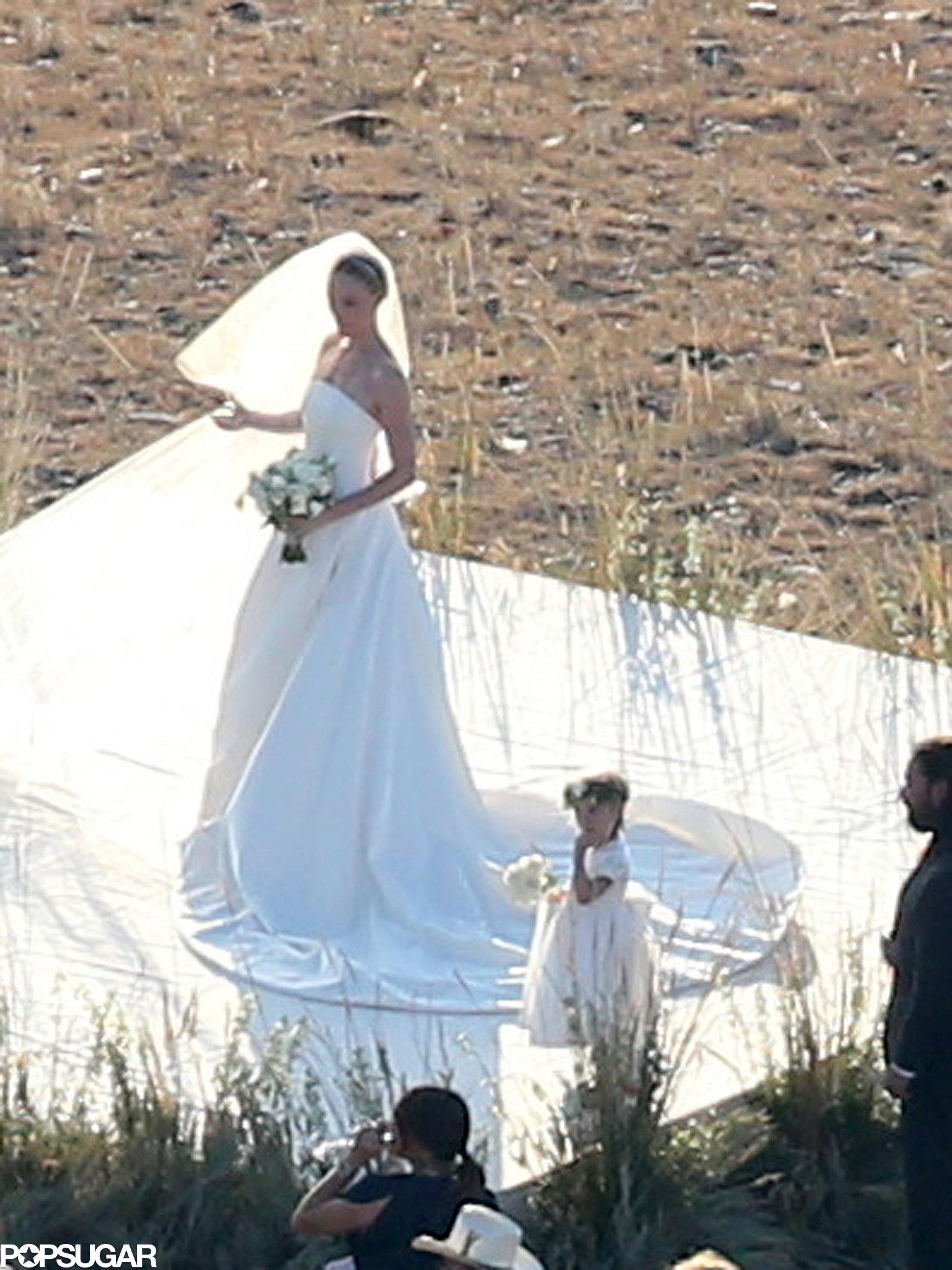 Kate Bosworth's flower girl wore white.