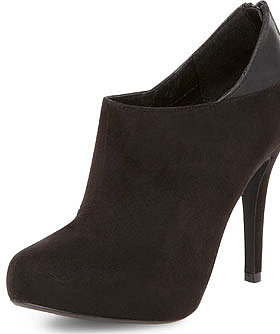 Black heeled shoe boots