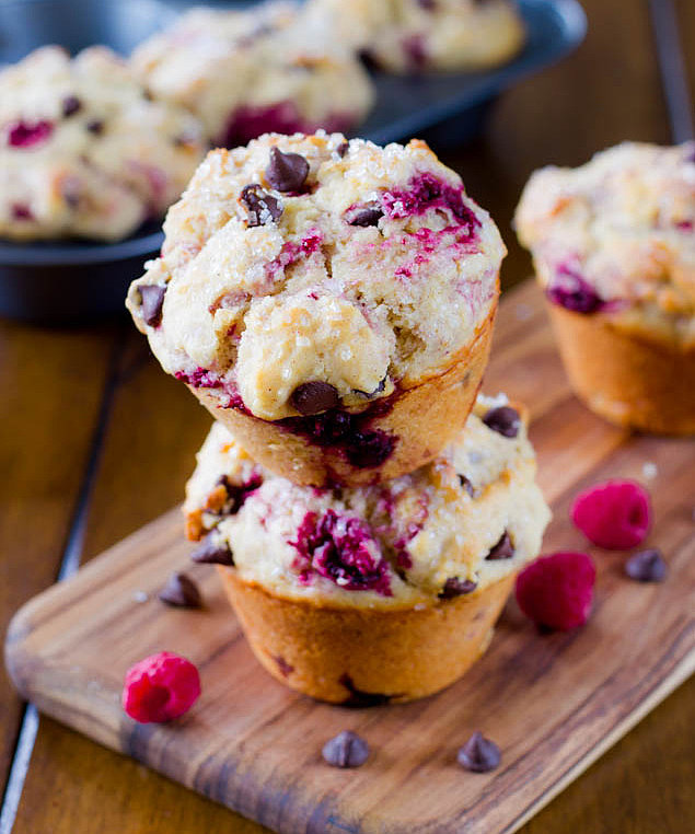 Raspberry Chocolate Chip Muffins | School Fuel! 10 Morning Muffin ...