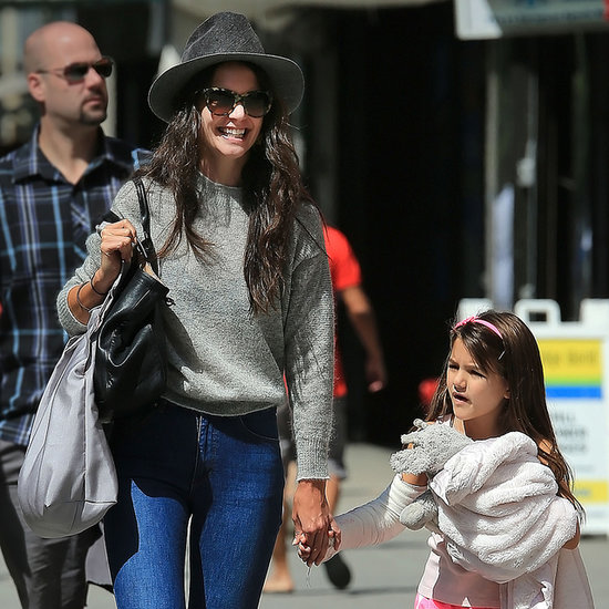 Katie Holmes and Suri Cruise With a Cast   Photos