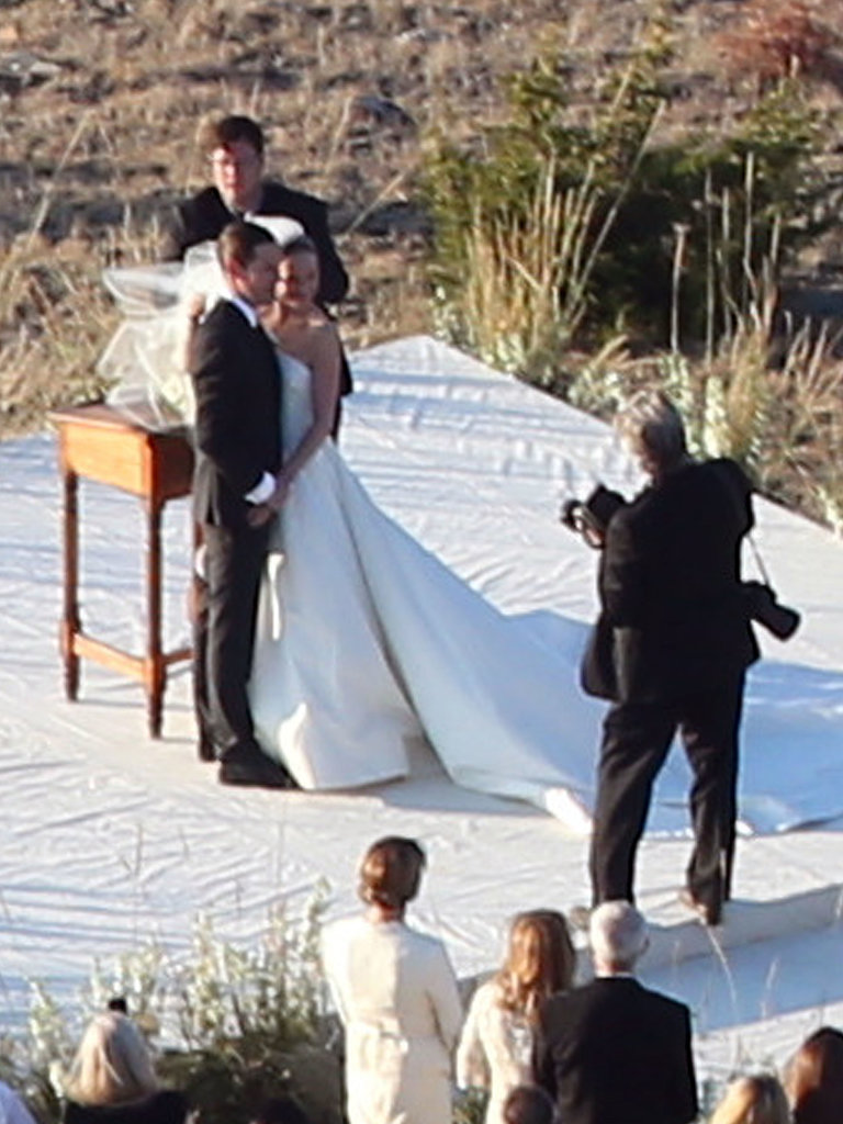 Kate Bosworth wore an Oscar de la Renta wedding gown for her intimate nuptials with Michael Polish in Montana.