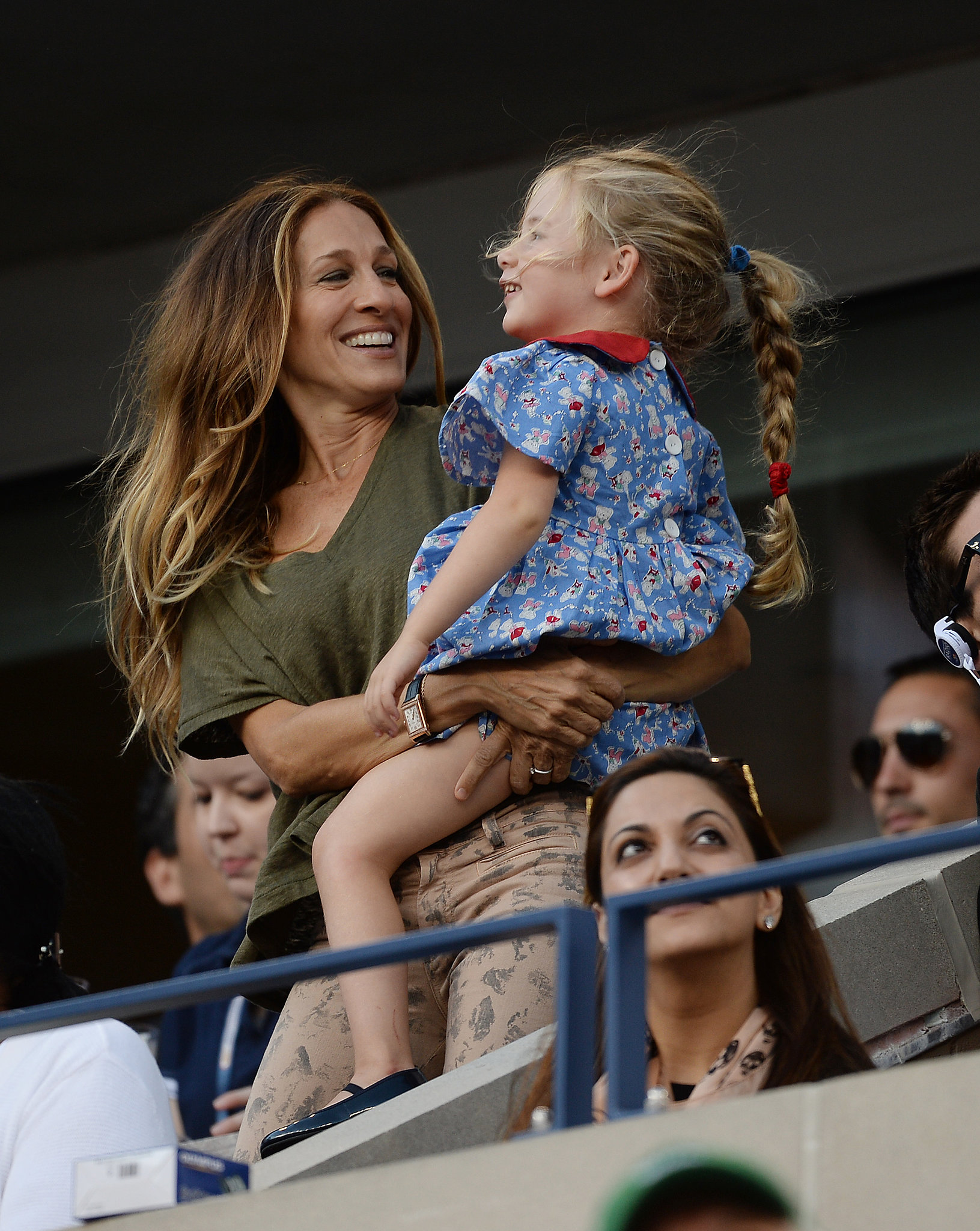 Sarah Jessica Parker played with her daughter Marion in the stands.