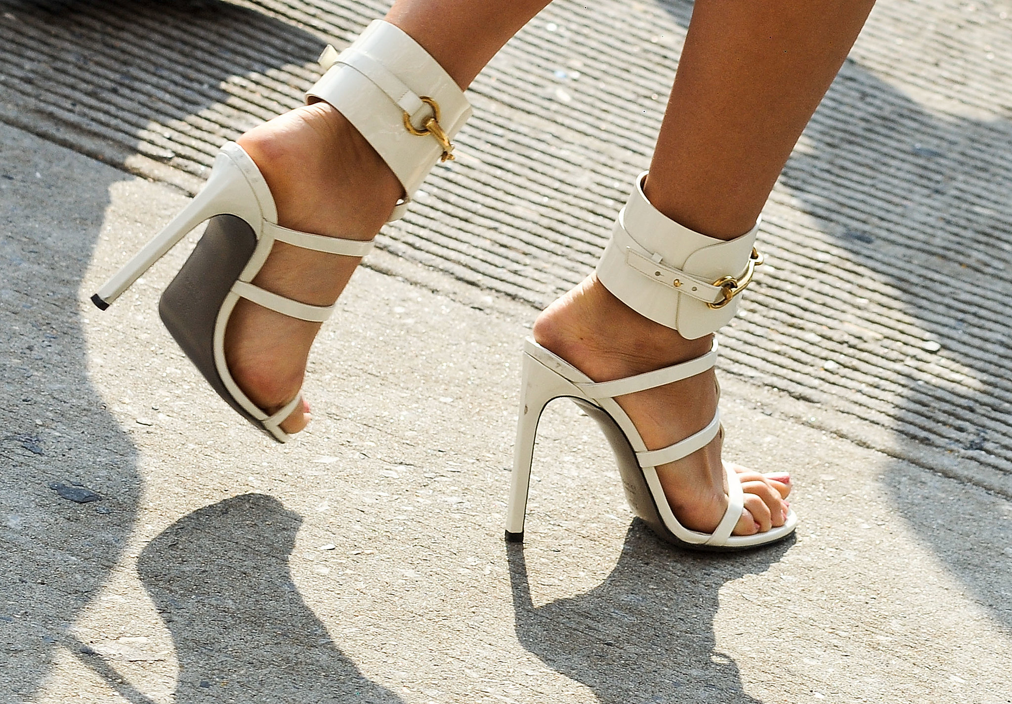 bright white gucci heels thats a wrap � check out nyfw