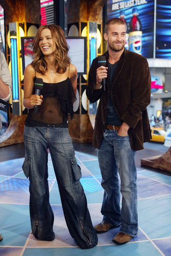Kate Beckinsdale appeared on TRL with Scott Speedman in 2003.