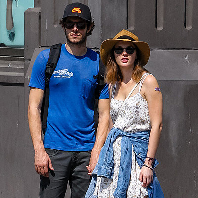 Adam Brody and Leighton Meester Holding Hands in NYC