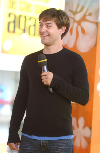 Tobey Maguire promoted Seabiscuit on TRL in 2003.