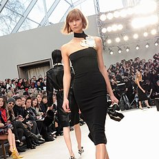 Burberry Spring 2014 Collection | Live Stream