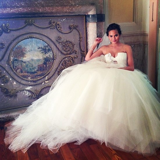 Here-came-bride-Chrissy-Teigen-looked-stunning-her-Vera-Wang