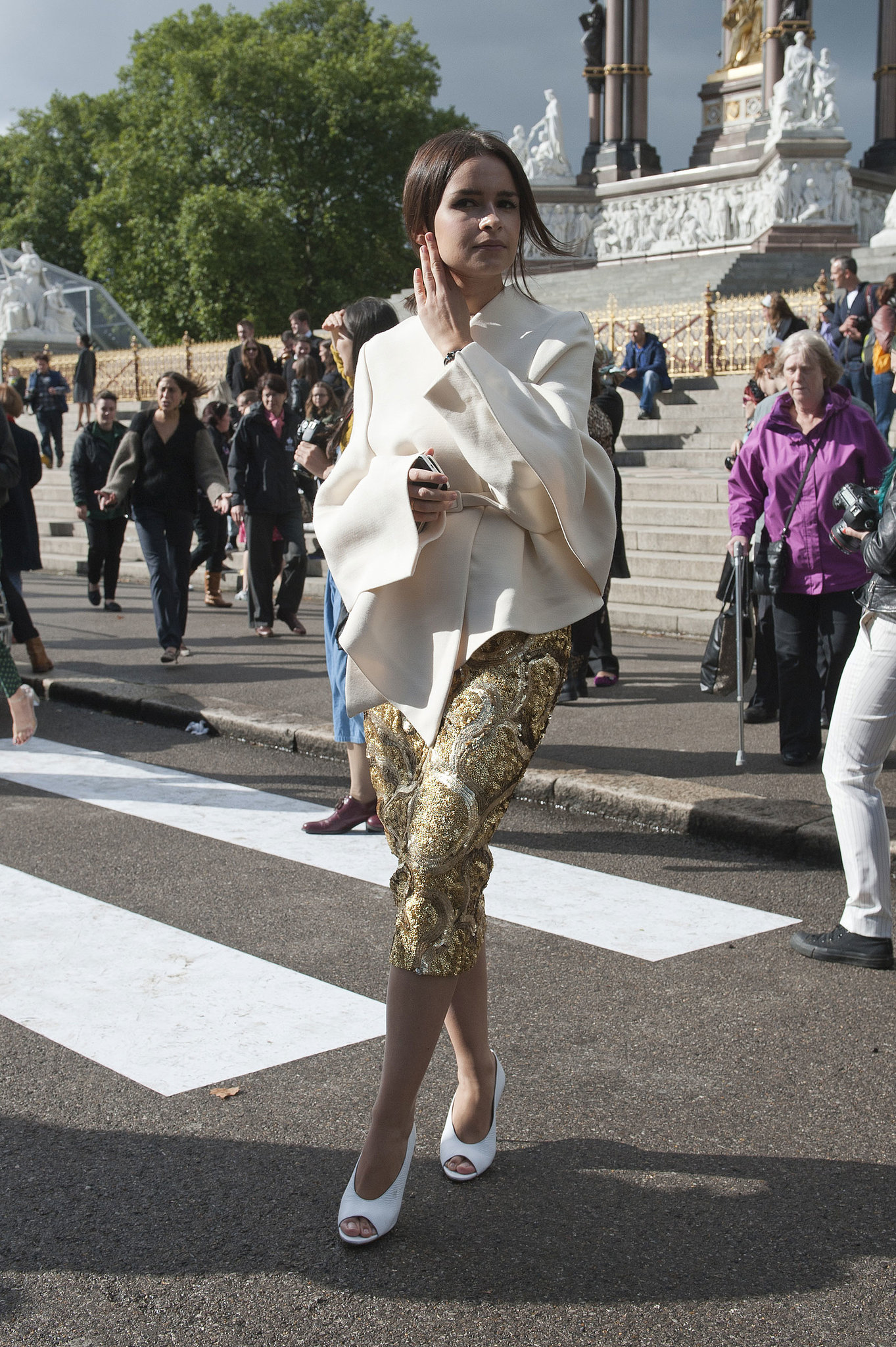 Miroslava Duma gave us a dramatic look on the go.