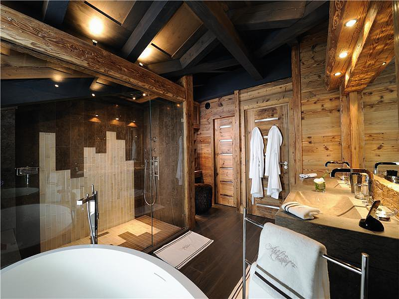 sala gay personals Bangkok gay sauna guide find the best gay saunas in bangkok exclusive reviews, photos, facilities, opening hours, maps, discounts and information.