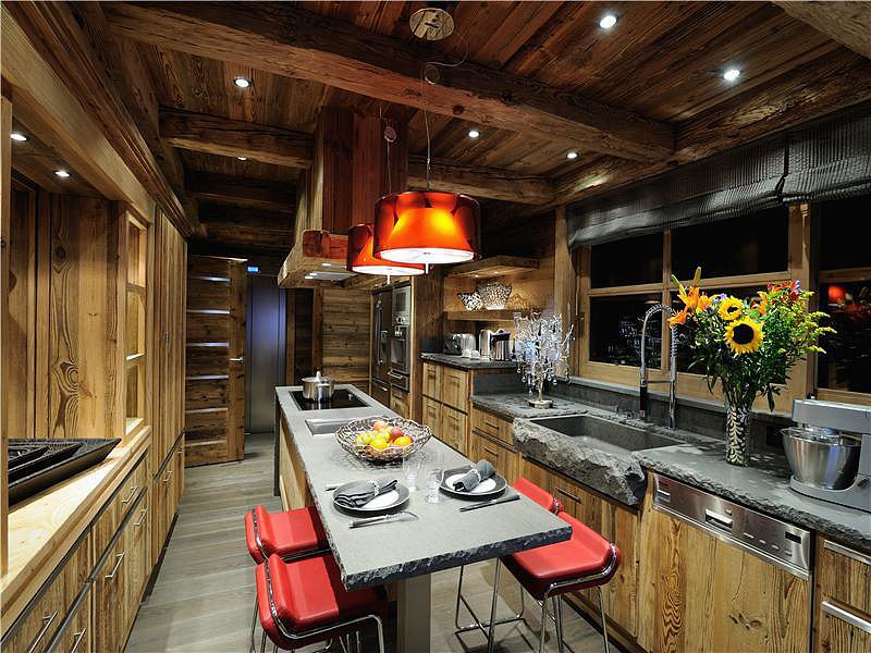 Rustic Meets Modern For A Kitchen That Would Significantly