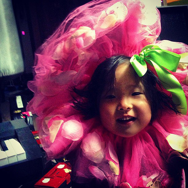 Naleigh Kelley surprised her dad dressed up in an adorable flower    Naleigh Kelley