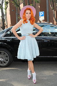 Paloma-Faith-looked-colorful-Friday-Emporio-Armani-show