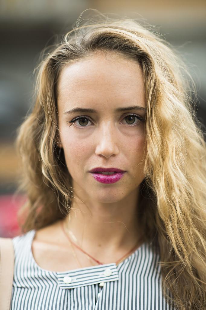 Bright magenta lipstick is always a good look. Source: Le 21ème | Adam Katz Sinding