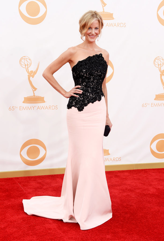 Anna Gunn looked gorgeous on the red carpet.