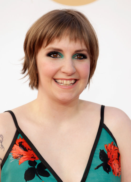 Pictures of Lena Dunham at the 2013 Emmy Awards