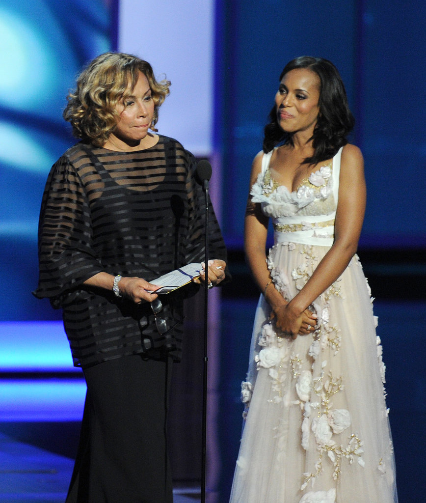 Kerry Washington presented an award onstage with legendary actress Diahann Carroll.