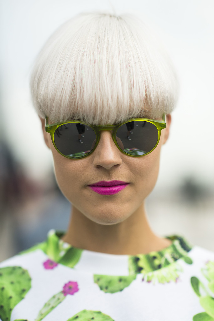 The best pairing for white hair? Bright pink lipstick, of course. Source: Le 21ème   Adam Katz Sinding