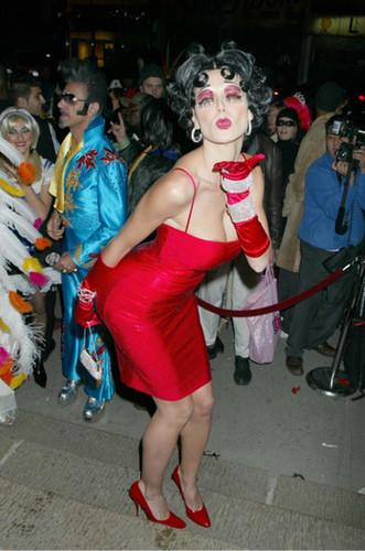 In 2002, Heidi Klum blew kisses as Betty Boop in NYC.