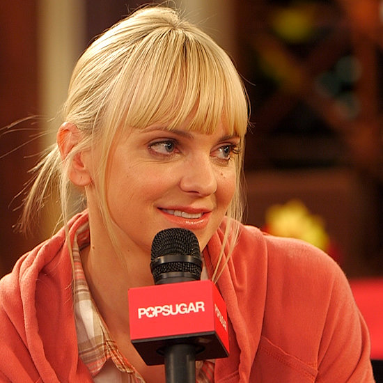 Anna Faris Interview on Mom, Twitter and Chuck Lorre (Video)