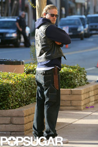 Charlie-Hunnam-got-back-work-LA-set-Sons-Anarchy