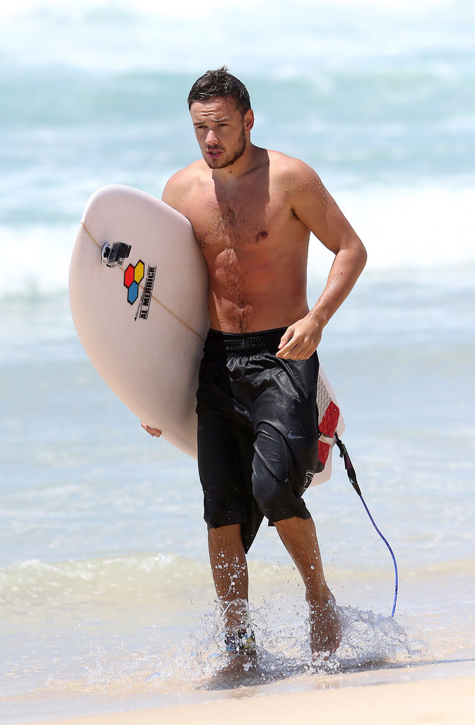 Shirtless Liam Payne Pictures Surfing in AustraliaLiam Payne Shirt Off