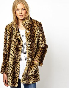Channel-Kate-Moss-signature-rocker-chic-style