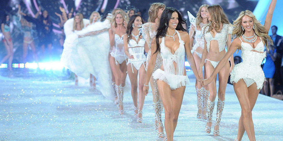 All the Hottest Model Moments From Last Year's Victoria's Secret Show
