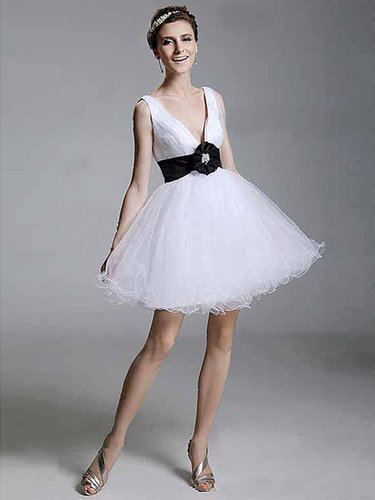 A-line V-neck Tulle Short/Mini Sleeveless Bow Evening Dresses at sweetquinceaneradress.com